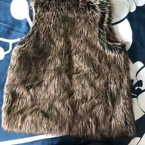 Kenar Jackets & Coats - Faux fur vest with brown lining - size Large